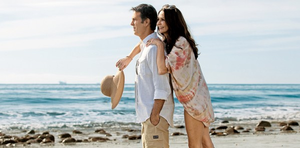 TTE32_CRY_cc_lifestyle_beach-couple2