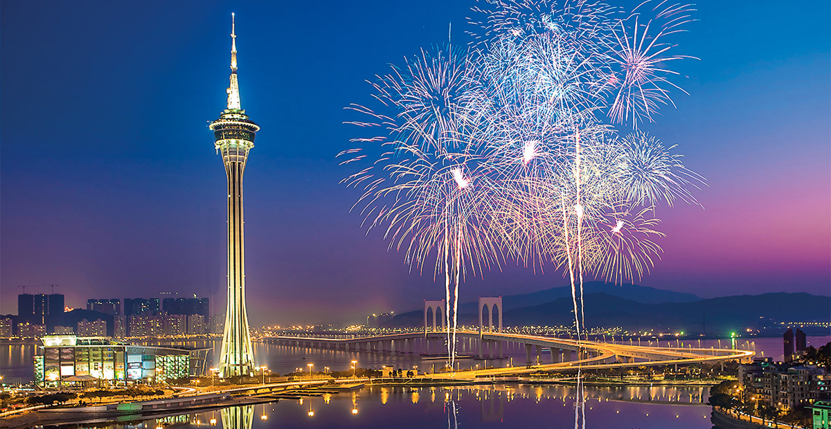 TTM1080_HongKong_Fireworks-Nightview