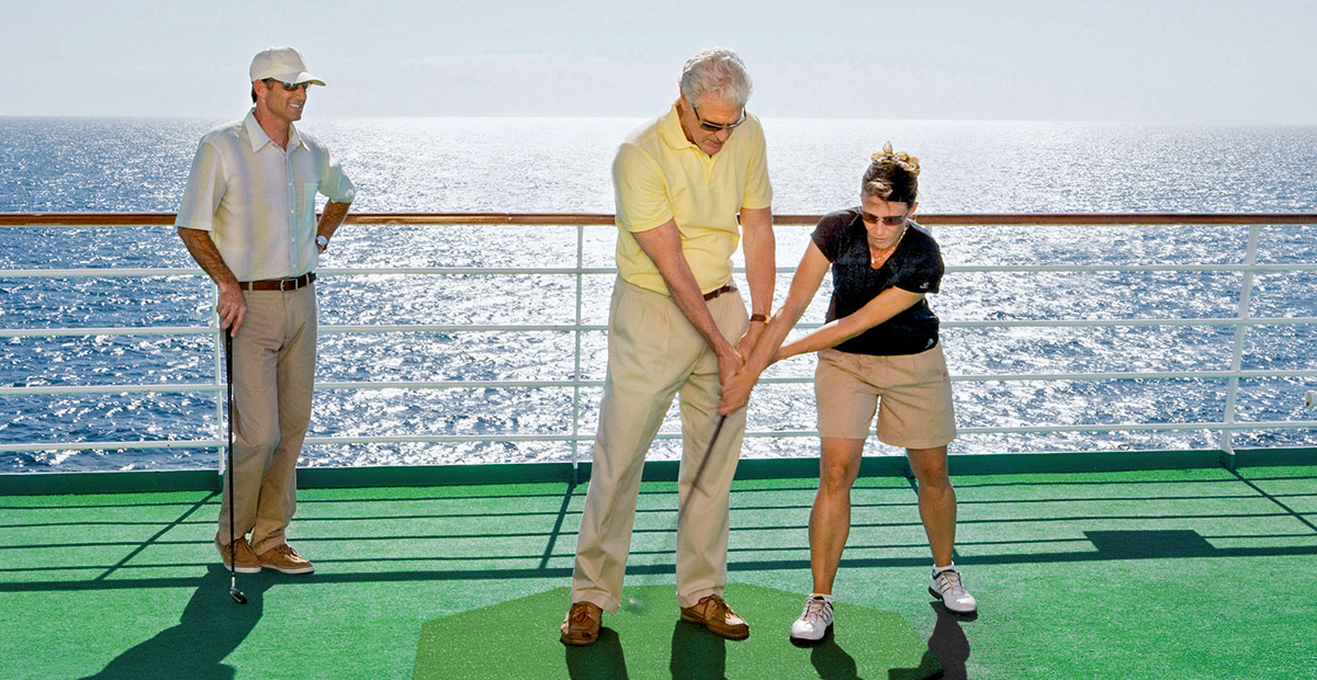 20563_CC_Crystal_Cruises_Putting_Green_Class