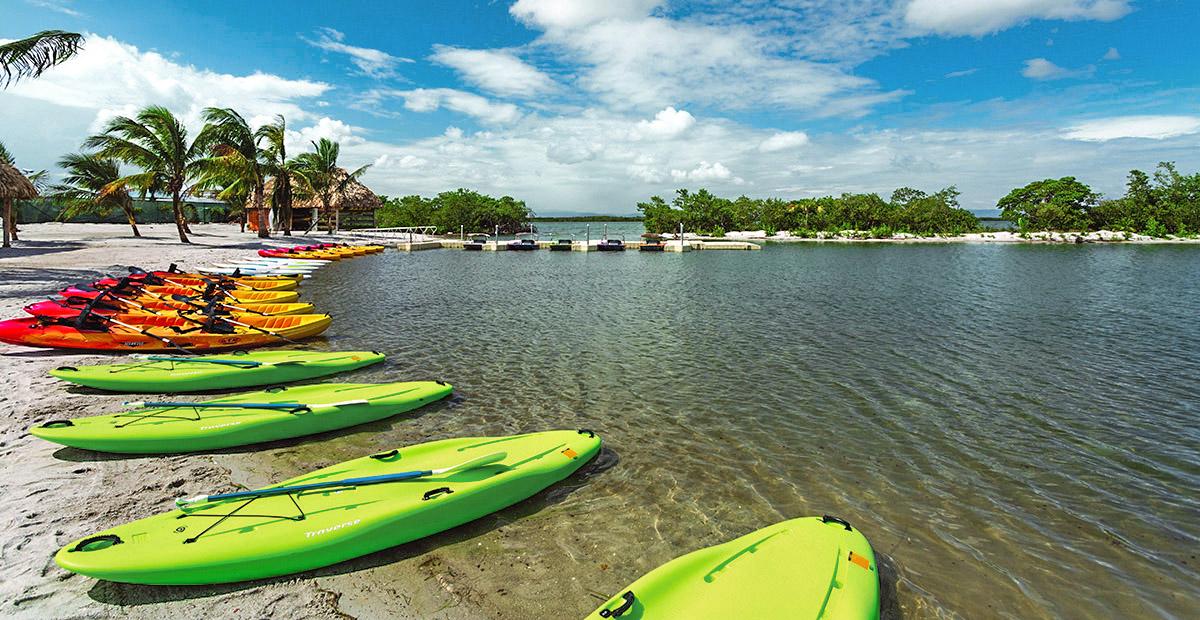 Harvest Caye, Belize, Lagoon, Kayaks