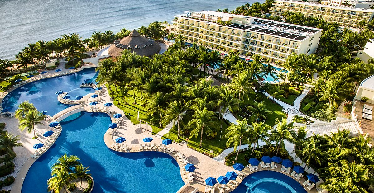 23915_TRAV_Riviera-Cancun_-Aerial2