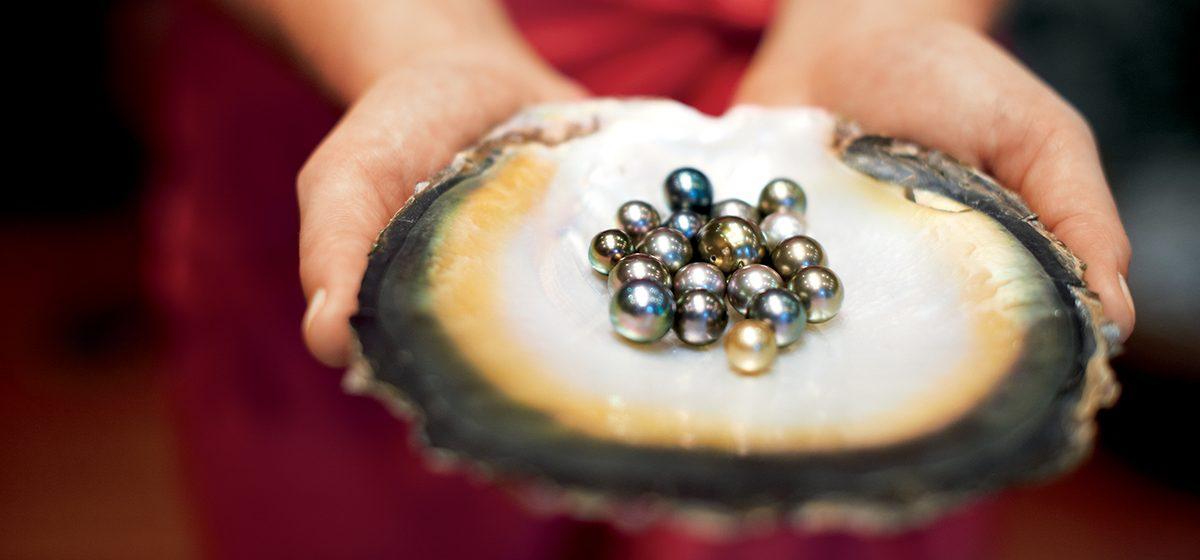 27902_PAULG_CG.M_pearls_1080-hi