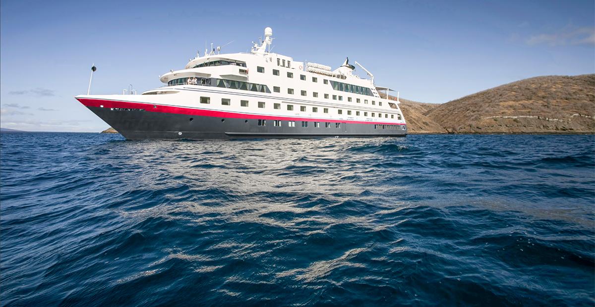 smallship_hurtigruten